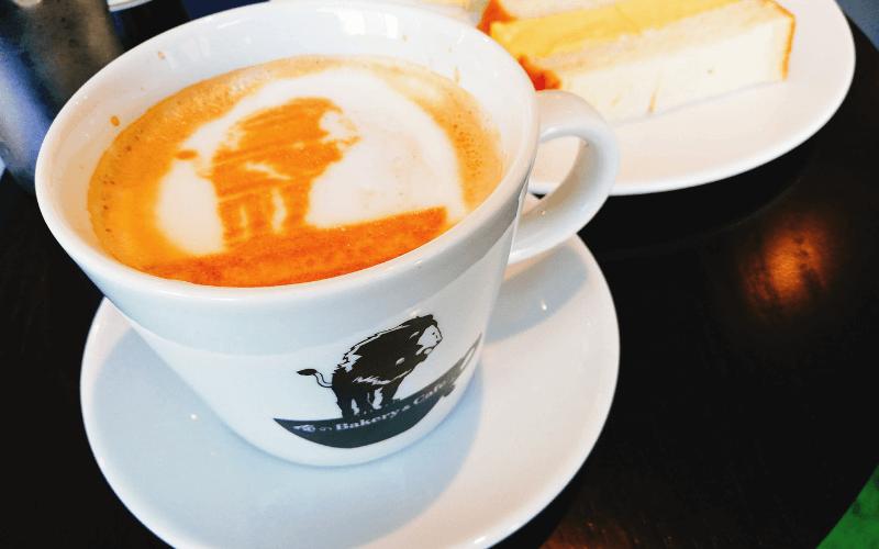 俺のBakery&Cafe 東銀座歌舞伎座前 プレミアムカフェラテ