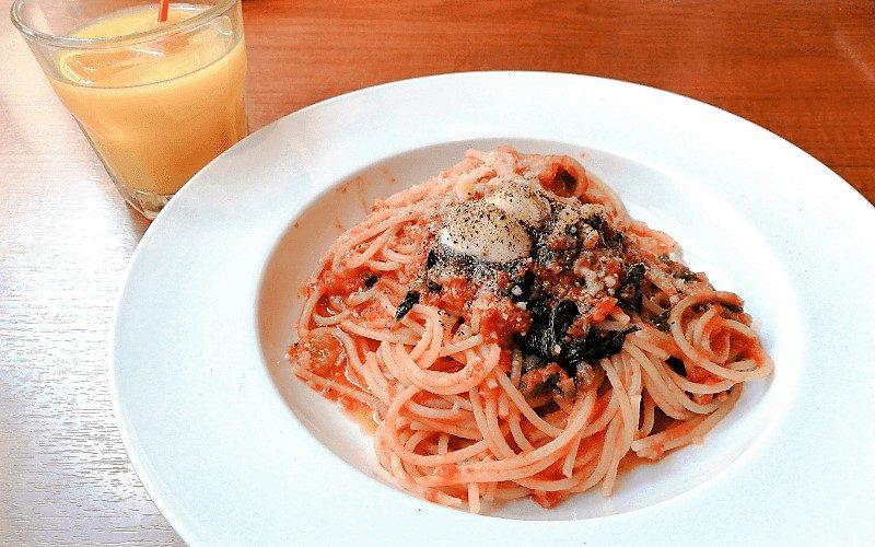 イタリアンGOHANランチ・ほうれん草とモッツァレラのトマトソース