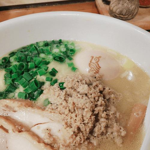 鶏の穴(池袋)白鶏ラーメン