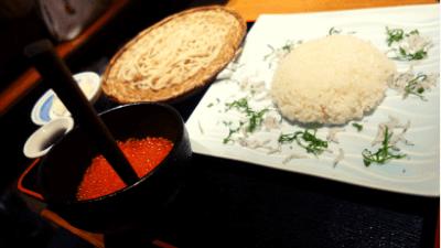 池袋・彩蔵ランチ「山盛りいくら丼+手打ち蕎麦」
