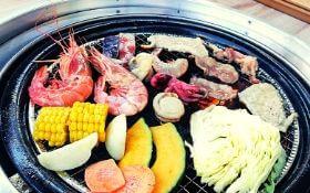 「Seafood & Grill YAKIYA」バーベキュー食べ放題メニュー表